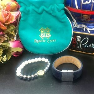 RUSTIC CUFF SET AND DUST BAG